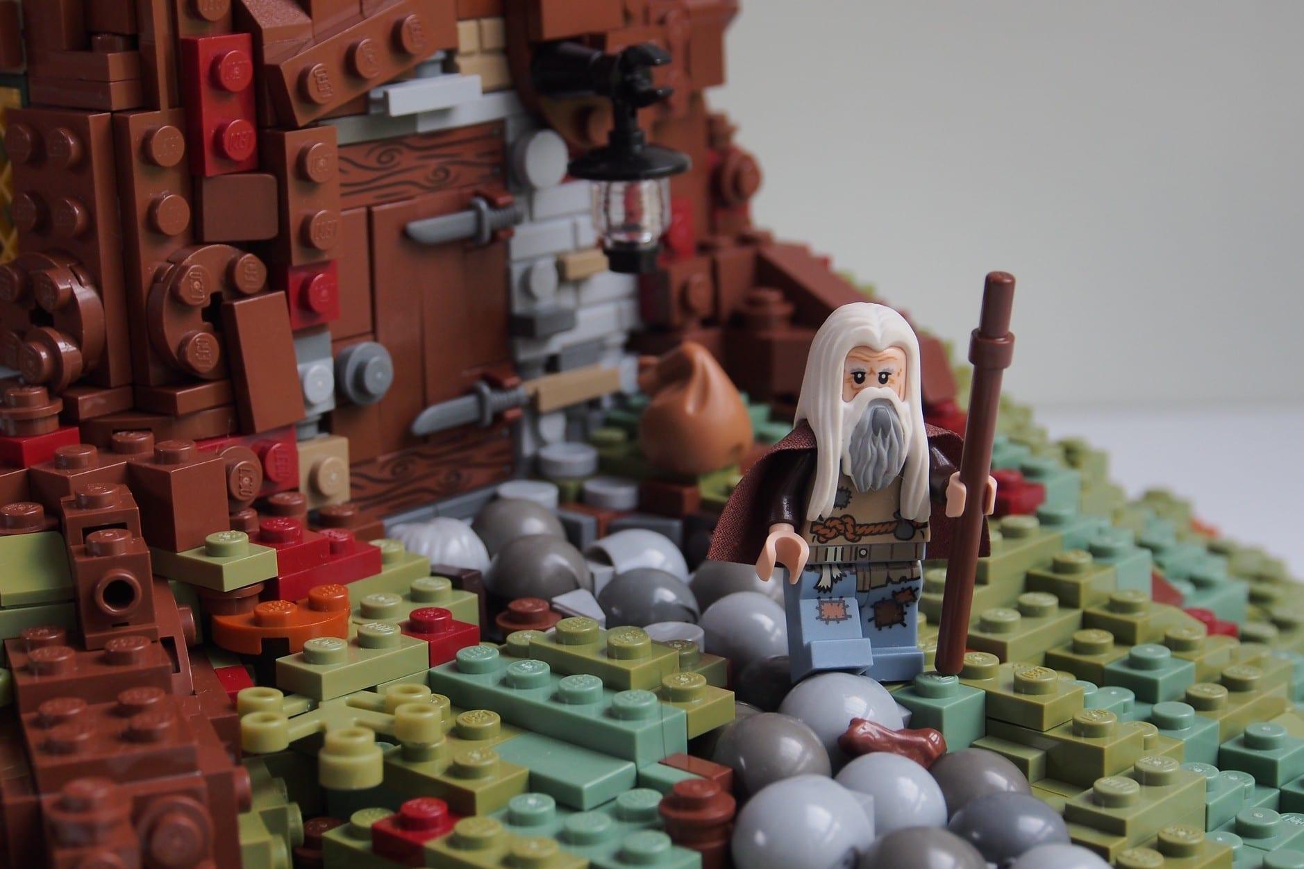 Bien-aimé Les maisons Lego heroic-fantasy de Legonardo – Guide du Parent  CF02